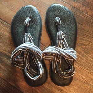 Sanuk Sandals 7 Striped Yoga Sling Flip Flop